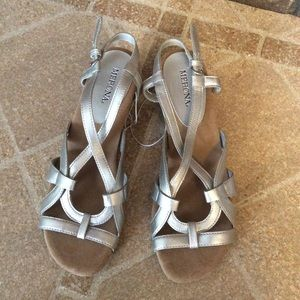 NEW Merona Silver Low Wedge, Size 7